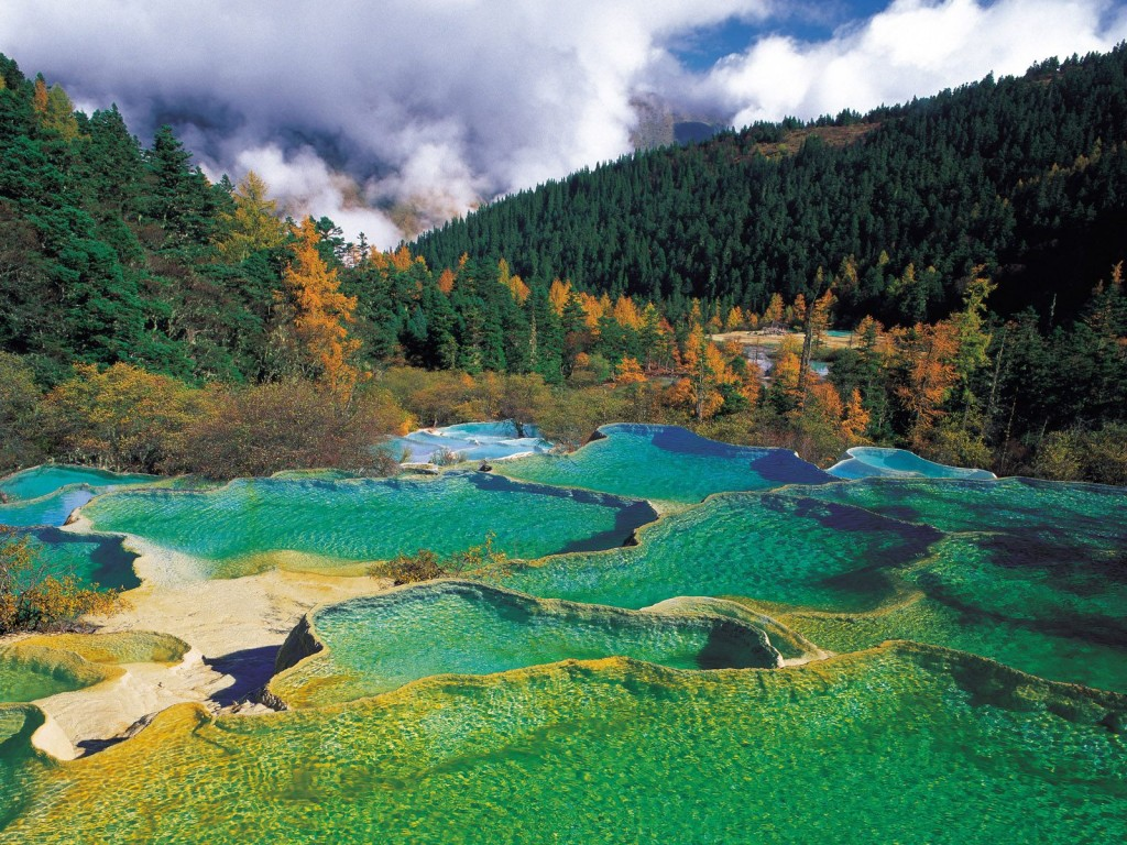 Huanglong Natural Preserve, Sichuan, China