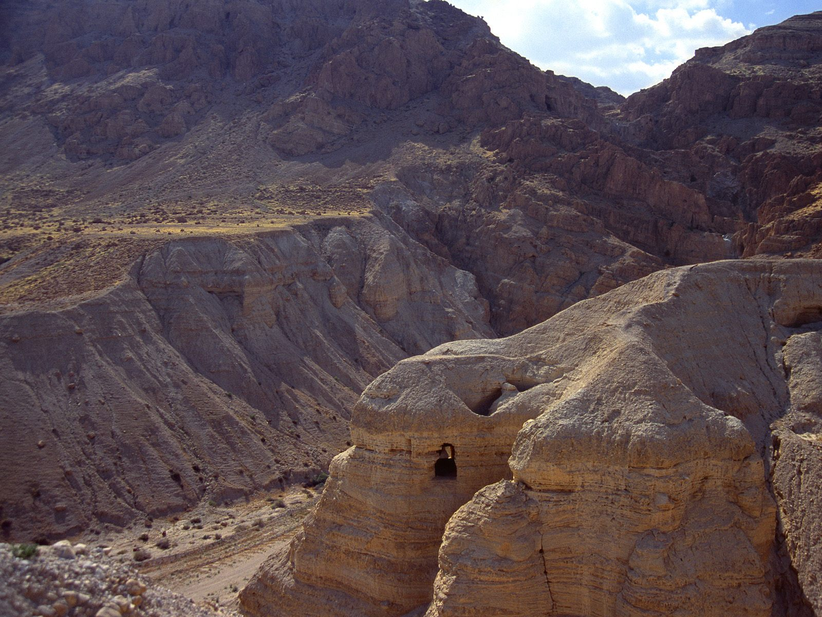 Cave of the Dead Sea Scrolls, Qumran Cave 4, Israel